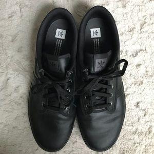 adidas Shoes Pris Drop Kiel sort læder sneakersPoshmark Pris Drop Kiel sort læder sneakers Poshmark